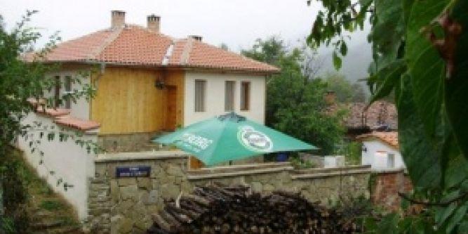 Къща Радославец